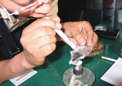 如何判断亲人在吸食海洛因?
