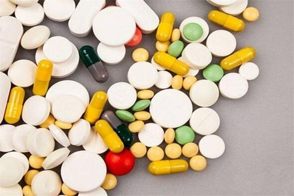 """老龄化严重成药物滥用新人选,老人""""被吸毒""""现象值得注意"""