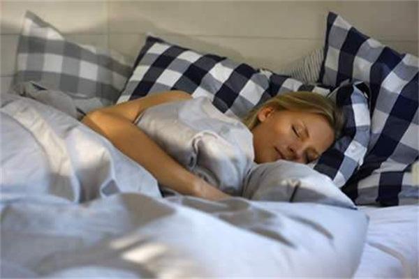 夜不能寐、噩梦缠身、彻夜失眠,为什么吸毒的人睡不安稳?