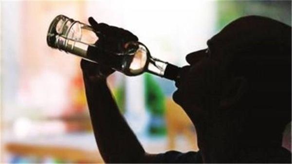 吸毒后喝酒,戒毒难上加难!