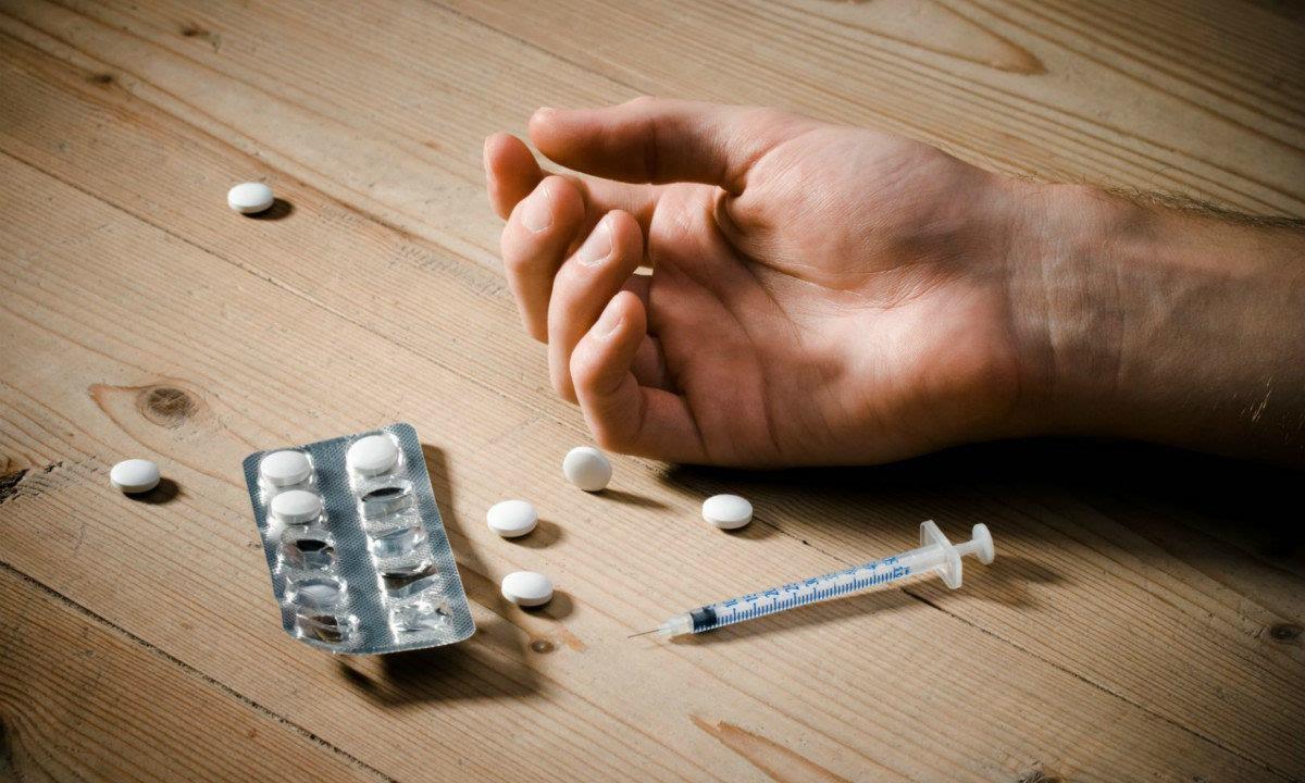 都知道海洛因是毒品之王,可这个芬太尼比海洛因毒100倍!